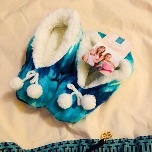 Cozies ~ Sherpa Lined Slippers